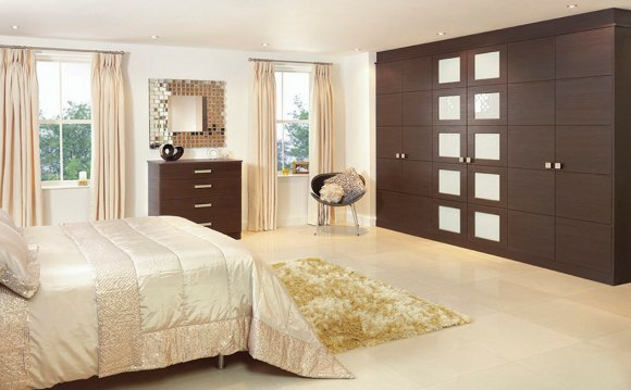 6 door wardrobe bedroom